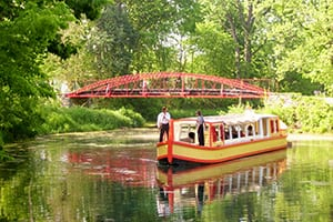 view the bowstring trail bridge from the delphi canal boat