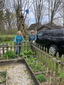the ladies enjoying the garden at Wabash and Erie Canal