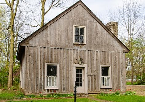 view the historic bowen cabin in delphi indiana